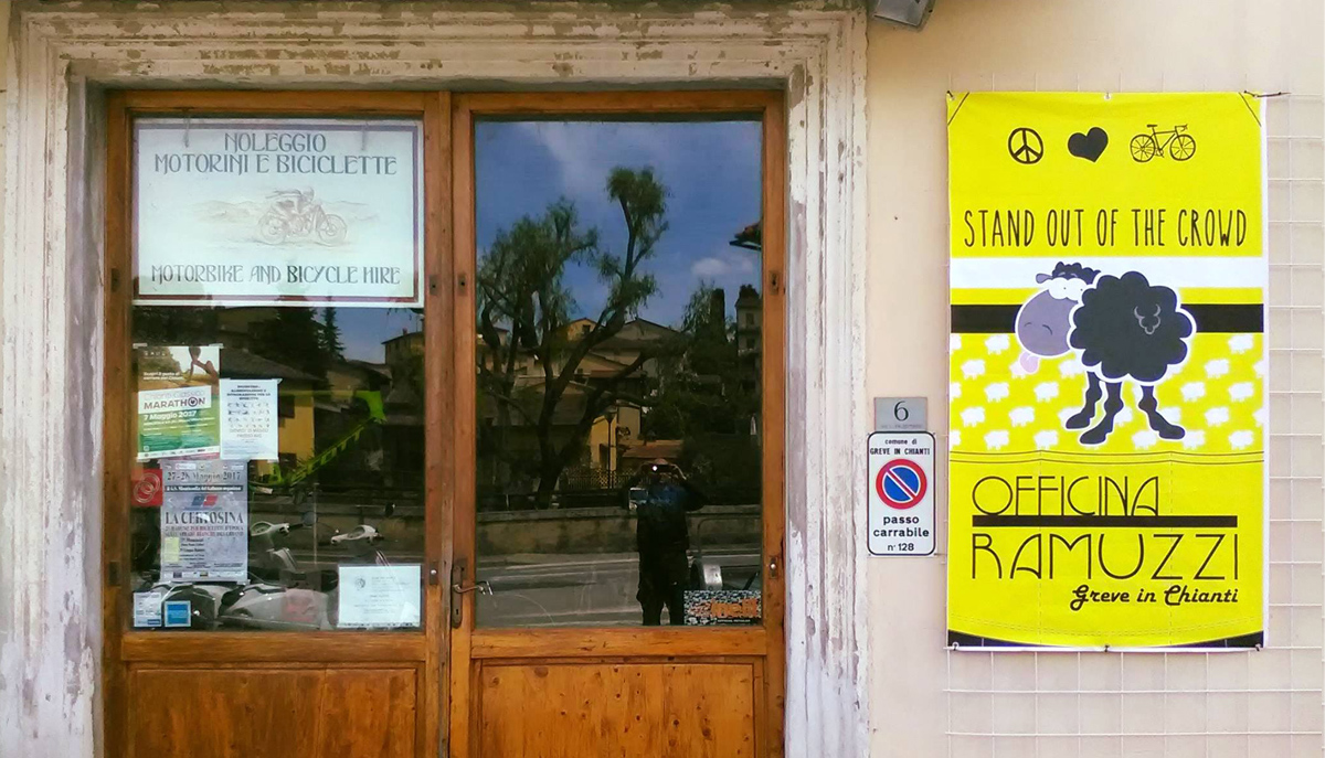 Officina Ramuzzi: Bikes and scooter rental in Chianti